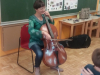 Violončelistka na obisku v 2. razredu